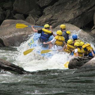 Blue River Comping And Rafting Club